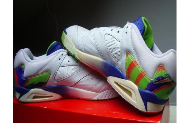 09 Nike Air Tech Challenge IV