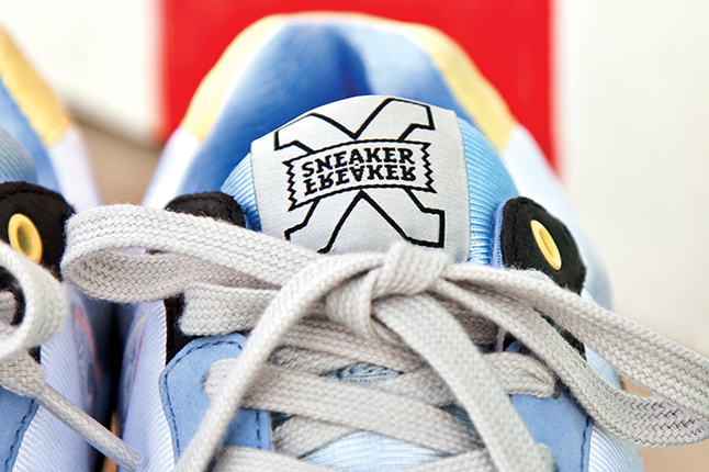 summer-bay-sneaker-freaker-tongue-1