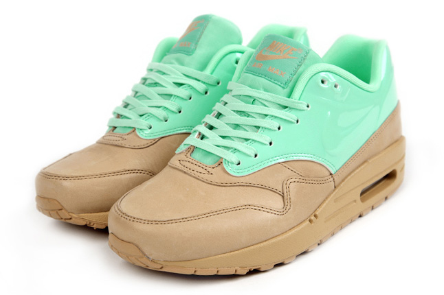 Nike Air Max Mint QS 01