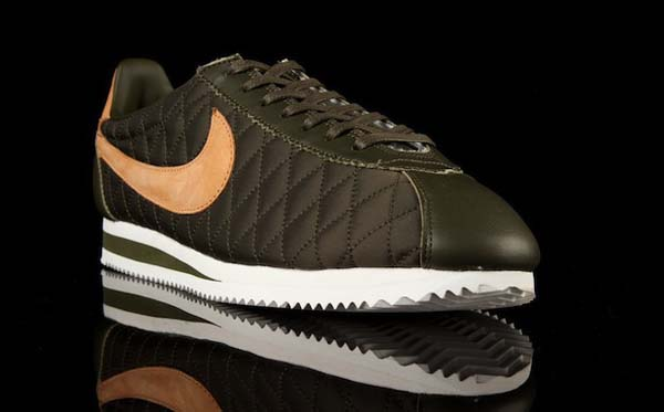 NikeCortezPremiumQS02