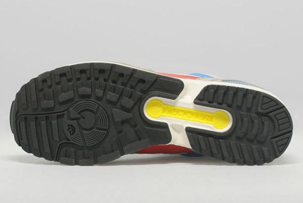 Adidas ZX7000 SizeUK 03