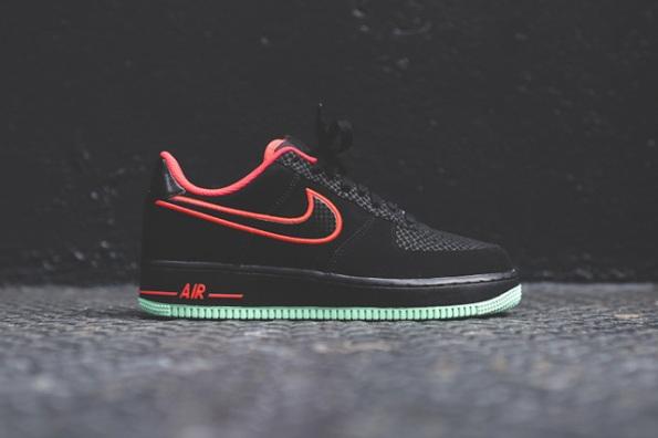 Nike Air Force 1 Laser Crimson Artic Green 03