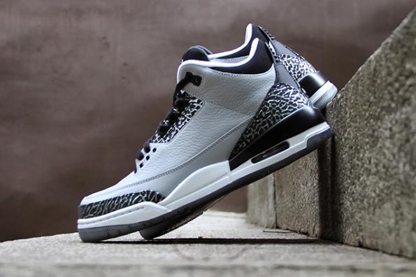 Air Jordan 3 Wolf Grey 01
