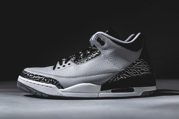 Air Jordan 3 Wolf Grey 02