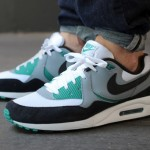 "Nike Air Max Light ""Mystic Green"""