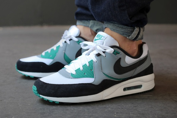 Nike Air Max Light Mystic Green 01