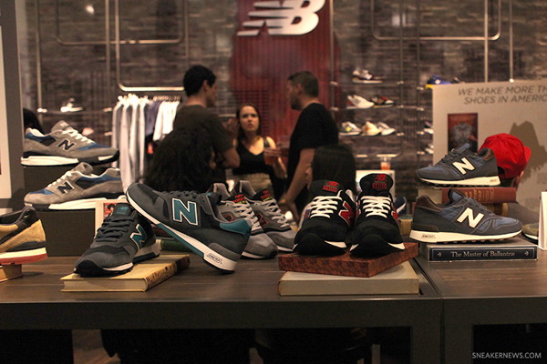 New Balance Authors Collection 10
