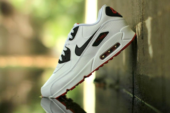 Nike Air Max 90 Leather 03