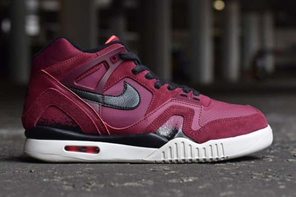 Nike Air Tech Challenge II Pack 01