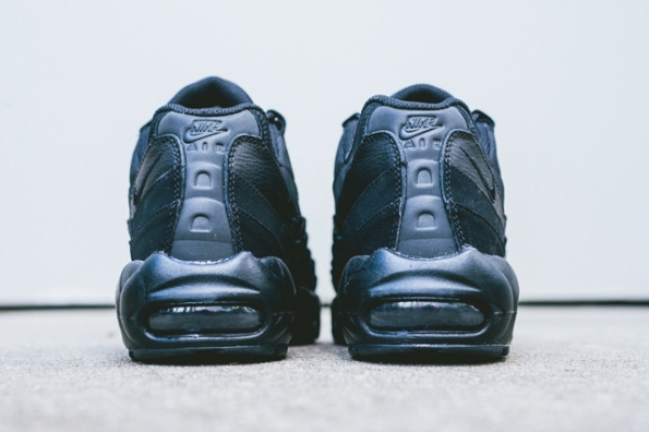Nike Air Max 95 Triple Black 05