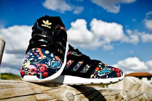 adidas flores zapatillas