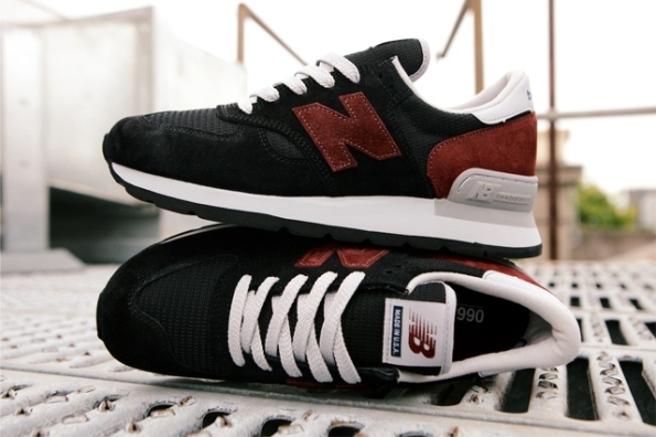 New Balance 990 Black Burgundy 01