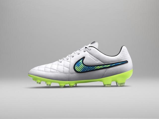 Nike Shine Through 18