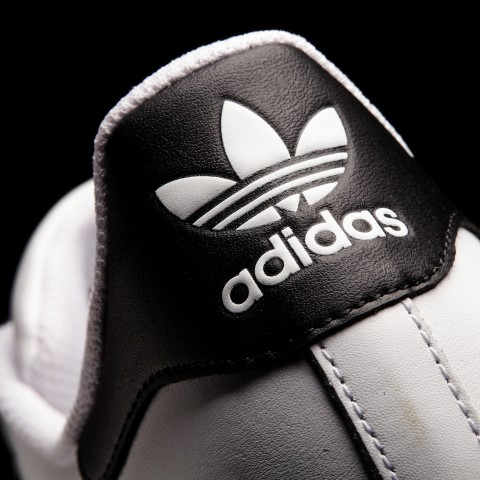 Created by MDKGraphicsEngine - Licensed to Adidas Production (6 licenses)