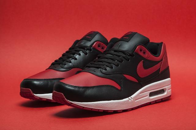 Nike Air Max 1 Bred 01