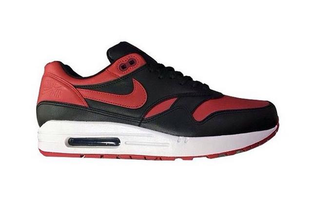 Nike Air Max 1 Bred 02