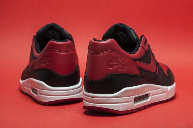 Nike Air Max 1 Bred 04