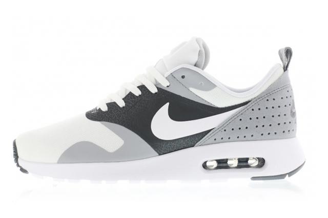 Nike Air Max Tavas 02
