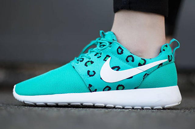 Nike Roshe Run Leopard Teal 02