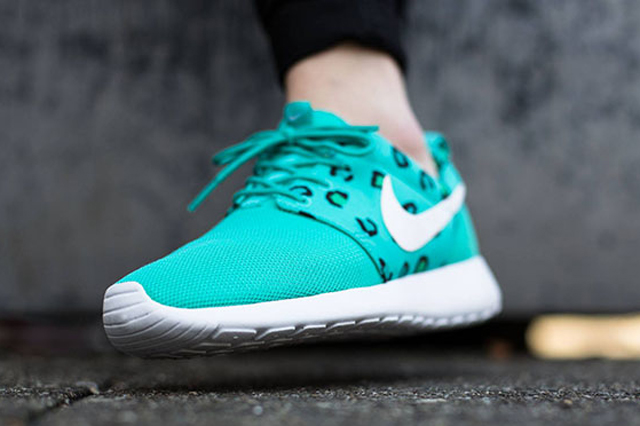 Nike Roshe Run Leopard Teal 03