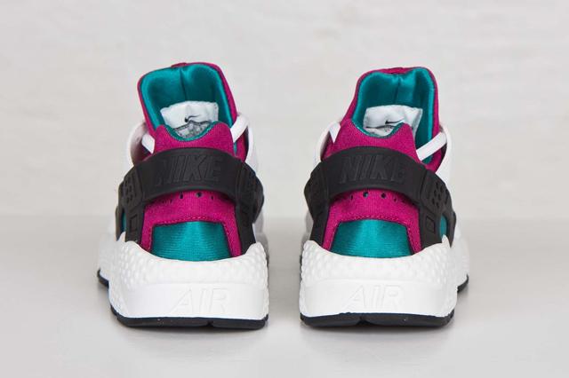 Nike Air Huarache Radiant Emerald 04