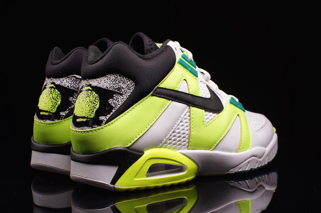 Nike Air Tech Challenge III OG Volt 04