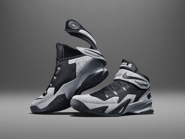 Nike LeBron Soldier 8 Flyease 01