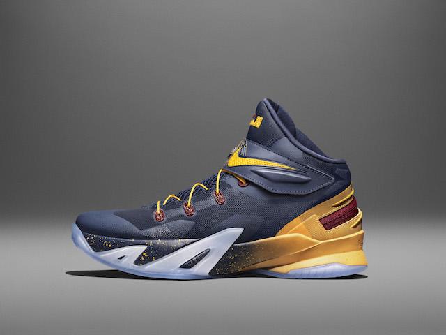 Nike LeBron Soldier 8 Flyease 05