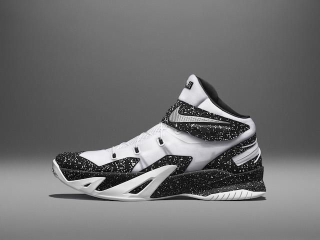 Nike LeBron Soldier 8 Flyease 06