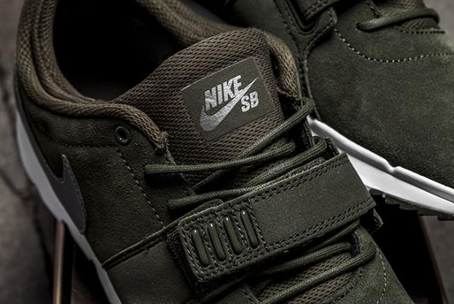 Nike SB Trainerendor Khaki 02