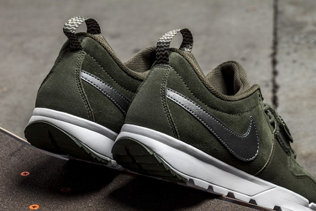 Nike SB Trainerendor Khaki 03