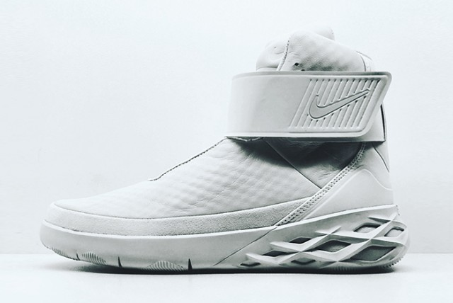 Nike Swoosh Hunter 02