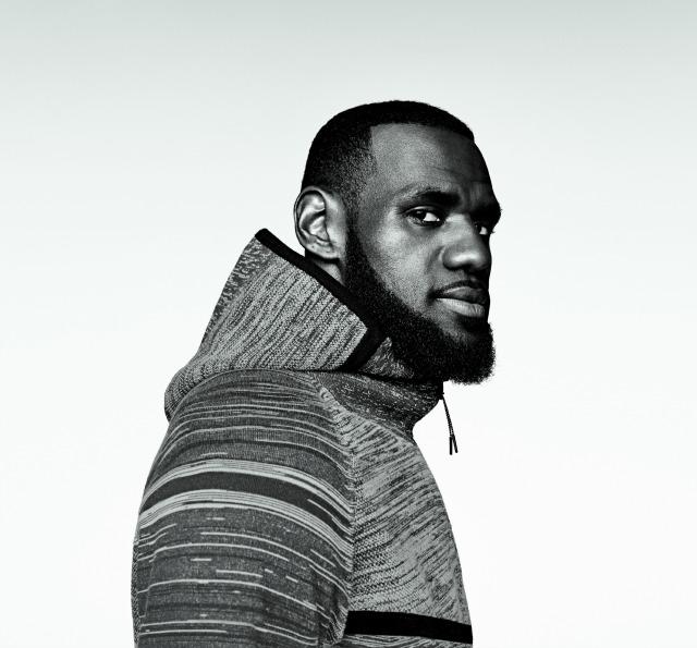 Nike Tech Knit 02
