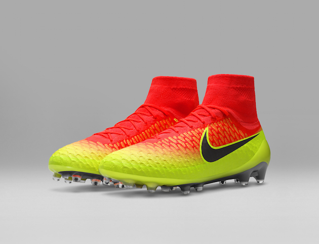 Nike Spark Brilliance Football Pack 01