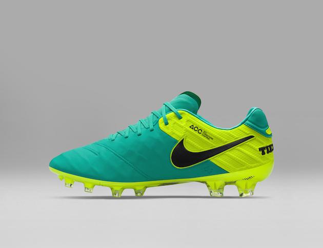 Nike Spark Brilliance Football Pack 04