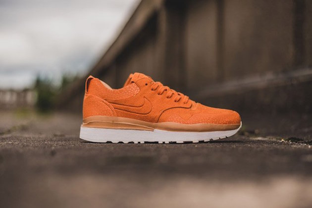 Nike Air Safari Royal 09