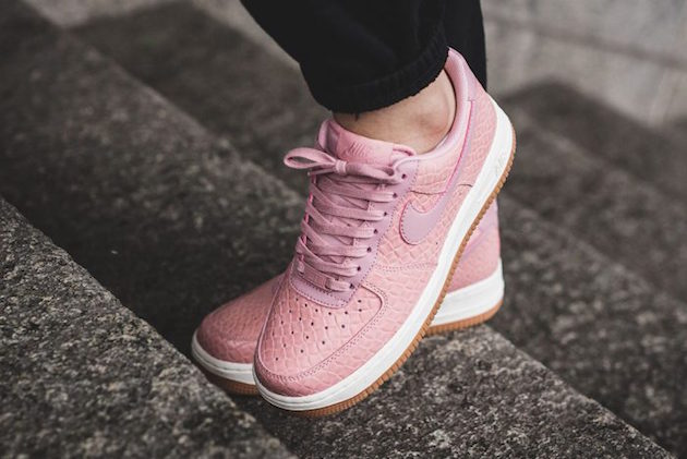 nike-air-force-1-%22pink-glaze%22-02