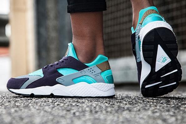 Nike Women Air Huarache Purple Turquoise 01