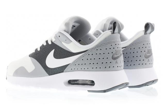 Nike Air Max Tavas 04