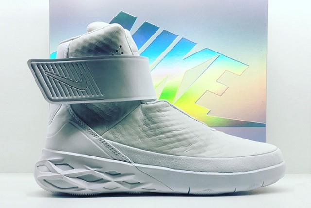 Nike Swoosh Hunter 01