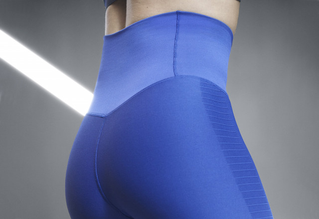 Nike Zoned Sculpt Tight 04