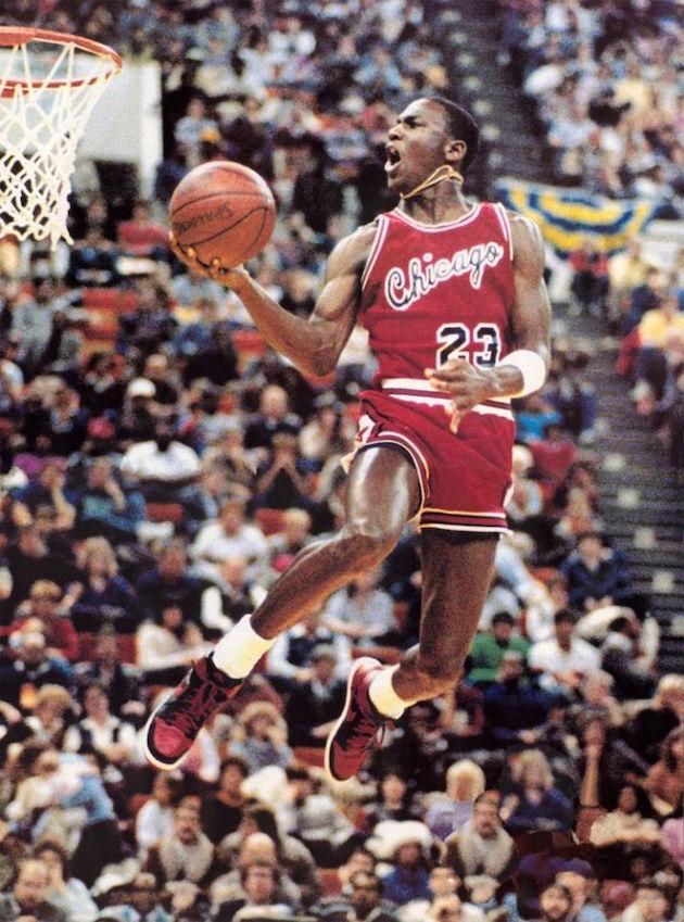 Air Jordan 1 Banned 01