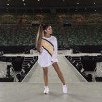 Reebok sella alianza con Ariana Grande